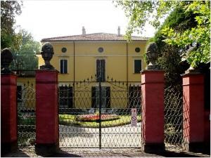 Devant la Villa Verdi - San Agata
